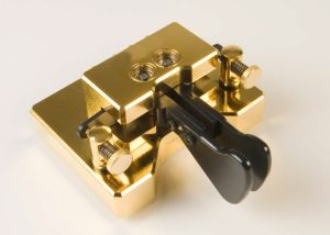 MAGNETIC_CLASSIC_GOLD
